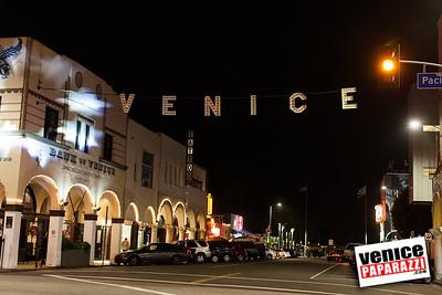 Venice Sign Pink-5