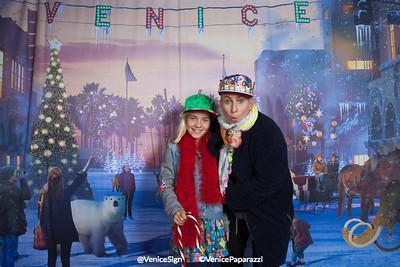 @VeniceSign © VenicePaparazzi.com