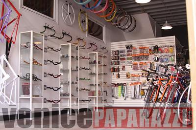 11 02 08  L A  Breakless   www labrakeless com    www lafixed com   Photos by Venice Paparazzi (37)