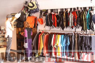 11 02 08  L A  Breakless   www labrakeless com    www lafixed com   Photos by Venice Paparazzi (39)