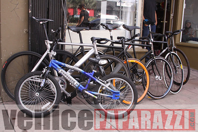 11 02 08  L A  Breakless   www labrakeless com    www lafixed com   Photos by Venice Paparazzi (40)