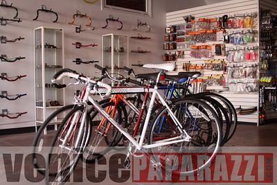 11 02 08  L A  Breakless   www labrakeless com    www lafixed com   Photos by Venice Paparazzi (44)
