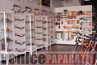 11 02 08  L A  Breakless   www labrakeless com    www lafixed com   Photos by Venice Paparazzi (36)