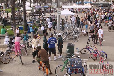 09 19 09  Venice Custom Bicycle   L A  Brakeles, City Lites, Real Ryda'z, L A  Brakers, Red Bull  www venicecustombicycles com  www venicepaparazzi com (6)