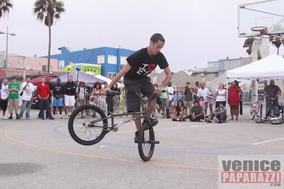 09 19 09  Venice Custom Bicycle   L A  Brakeles, City Lites, Real Ryda'z, L A  Brakers, Red Bull  www venicecustombicycles com  www venicepaparazzi com (697)