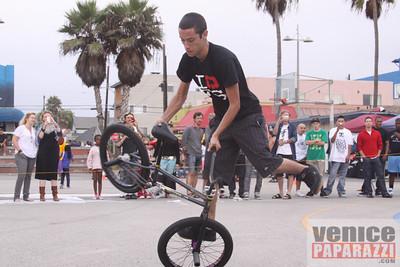 09 19 09  Venice Custom Bicycle   L A  Brakeles, City Lites, Real Ryda'z, L A  Brakers, Red Bull  www venicecustombicycles com  www venicepaparazzi com (693)