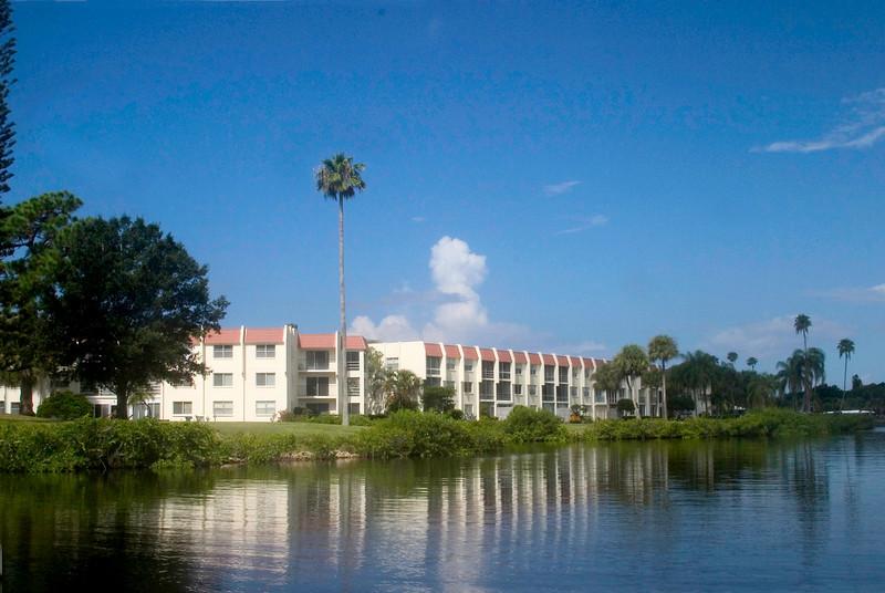 #7 Condo units close to the Jetties. Venice Island, Florida