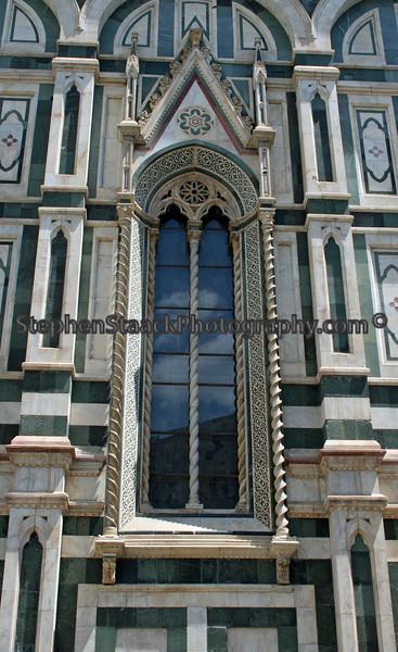 Window fascade in Venice, Italy.