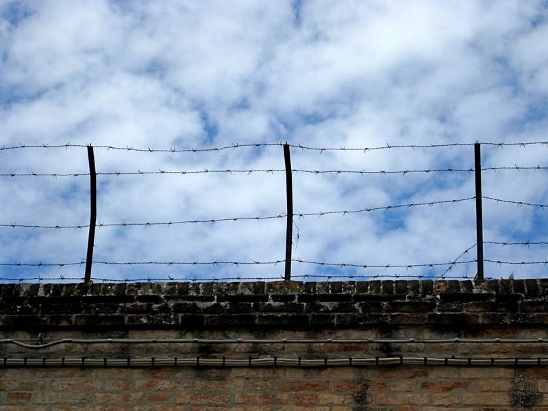 Barbed wire in Campo di Ghetto Novo, Cannaregio.