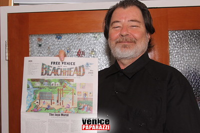05 03 09  Venice Arts Council Endangered Art fund   Champagne Brunch Honoring Donors for the JAYA Mural Restoration Project   www veniceartscouncil org  Photos by www venicepaparazzi com (6)