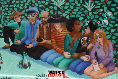 05 03 09  Venice Arts Council Endangered Art fund   Champagne Brunch Honoring Donors for the JAYA Mural Restoration Project   www veniceartscouncil org  Photos by www venicepaparazzi com (11)