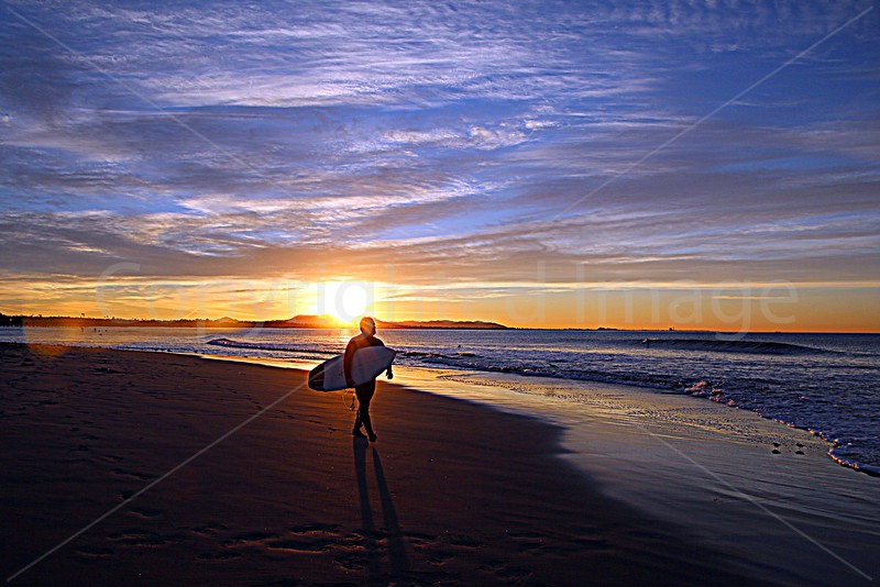 Surfer Stroll