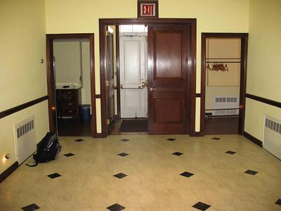 xAbigail Adams house_2009-08_0009_vestibule & entrance to street