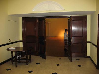 xAbigail Adams house_2009-08_0010_vestibule & entrance to hall