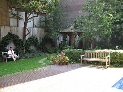 xAbigail Adams house_2009-08_0011_adjoining garden