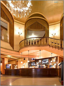 Lobby - Main bar & staircase