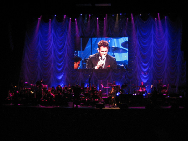 "Michael Bublé ""David Foster and Friends Charity Gala"" with the Toronto Symphony Orchestra"