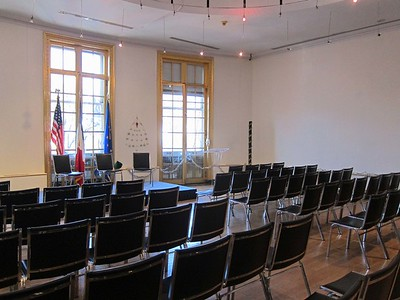 xFrench Cultural Services_2017 (6)_lecture room
