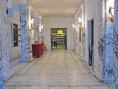 xFrench Cultural Services_2017 (2)_hallway from foyer to bookstore