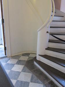 St Paul's Chapel_5739_2014-09-10_stairs from vestibule to balcony