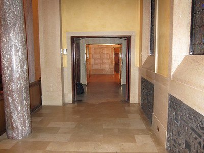 Chapel vestibule, looking back out toward the main lobby
