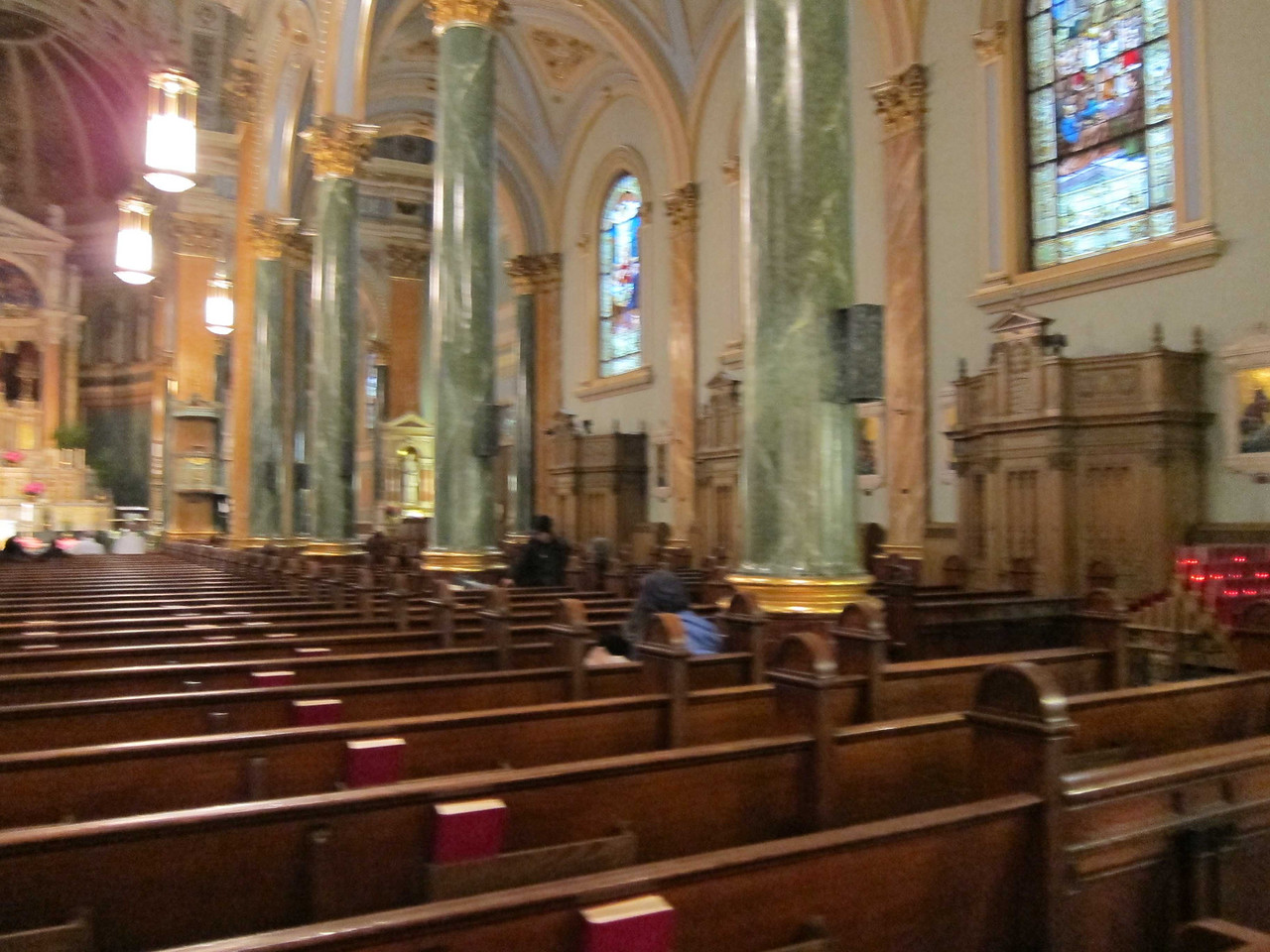 St Jean Baptiste at 76th and Lexington Ave_nave_audience right from rear pew center