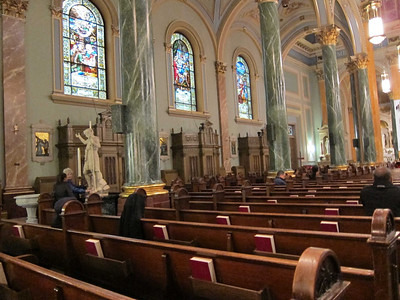 St Jean Baptiste at 76th and Lexington Ave_nave_audience left from rear pew center