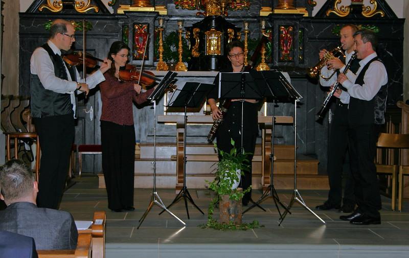 Immer wieder spielte die Husistein-Musik zur Freude der Gäste