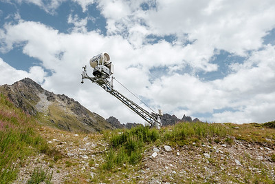 Artificial snow cannon in Verbier