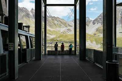 Cable car departure from La Chaux Verbier