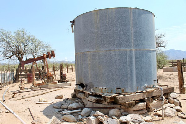 Historic pump and water tank (2018)