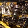 Kamaxel med autodekomp på avgaskammen som underlättar för startmotorn