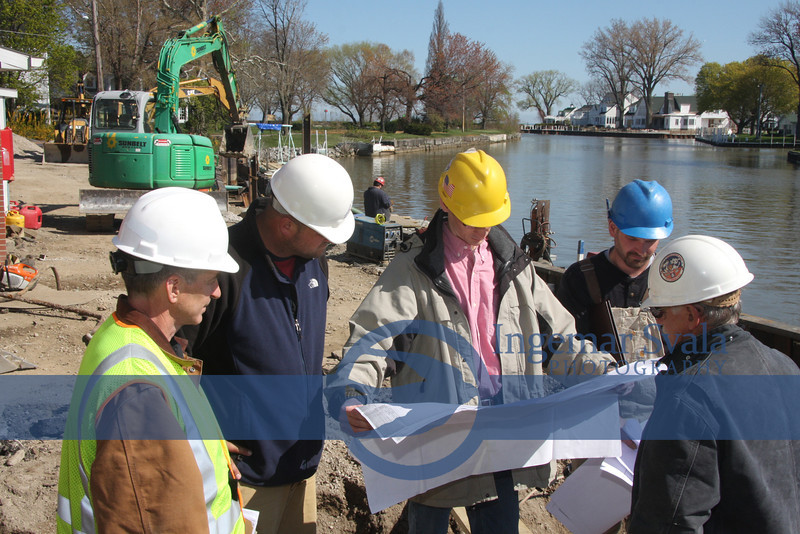 Jason Wynne, South Shore Electric, ?,? Craig Walters and Bill McCarthy, Vermilion Dock Master.