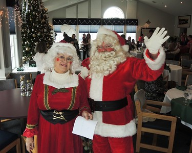 Sunday, December, 2016, The Vermilion Boat Club holds a wonderful Brunch with Santa and Mrs. Claus !