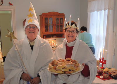 2017. Janet hosts her special Lucia breakfast party in Vermilion.