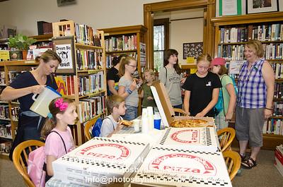 Summer Reading Program Finale Pizza Party Weathersfield Proctor Library Rte 5 Ascutney August 10, 2012 Copyright ©2012 Nancy Nutile-McMenemy www.photosbynanci.com More library images: http://www.photosbynanci.com/proctorlibrary.html
