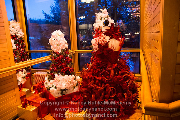 PowerHouse Mall Christmas Decorations