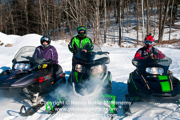 Snowmobile Poker Run Barnard Mountainviewers Snowmobile Club Barnard VT January 27, 2013 Copyright ©2013 Nancy Nutile-McMenemy www.photosbynanci.com For The Vermont Standard: http://www.thevermontstandard.com/ Image Galleries: http://thevermontstandard.smugmug.com/