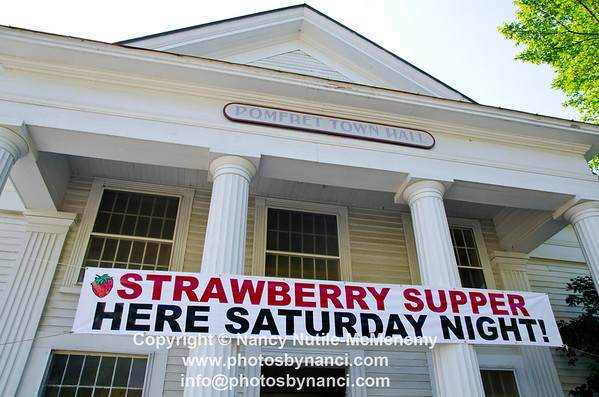 Pomfret Strawberry Supper Hosted by the North Pomfret Congregational Church Pomfret Town Hall Pomfret VT July 7, 2012 Copyright ©2012 Nancy Nutile-McMenemy www.photosbynanci.com For The Vermont Standard: http://www.thevermontstandard.com/ Image Galleries: http://thevermontstandard.smugmug.com/