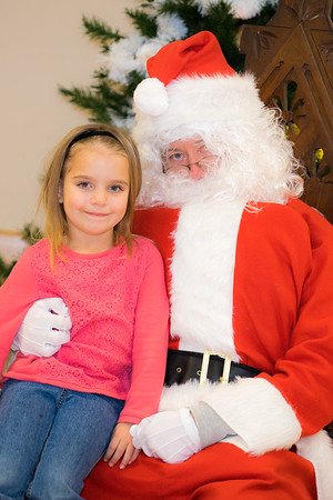 Verndale_Community_Center_Santa-00940
