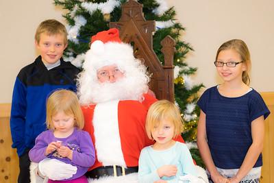 Verndale_Community_Center_Santa-00969