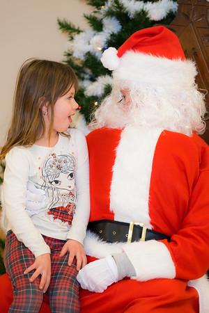 Verndale_Community_Center_Santa-00938