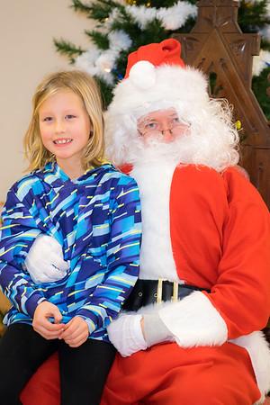 Verndale_Community_Center_Santa-00935