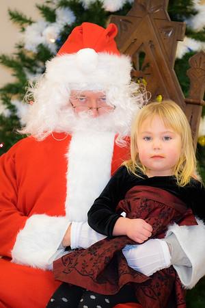 Verndale_Community_Center_Santa-00950