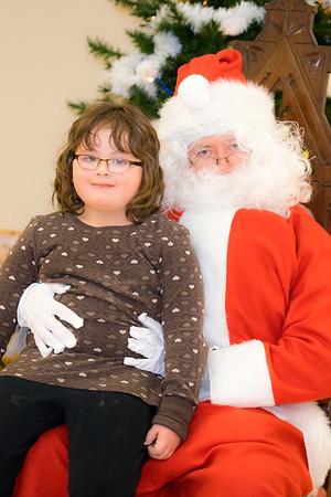 Verndale_Community_Center_Santa-00926