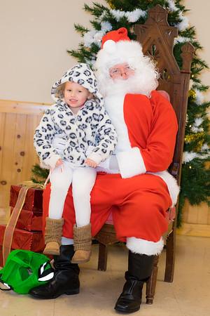 Verndale_Community_Center_Santa-00974
