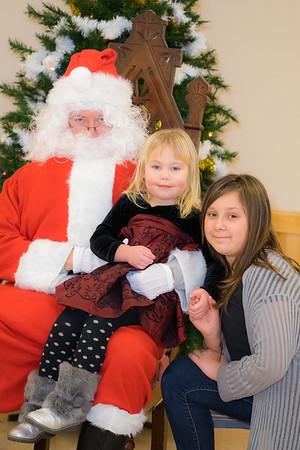 Verndale_Community_Center_Santa-00953