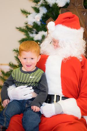Verndale_Community_Center_Santa-00957