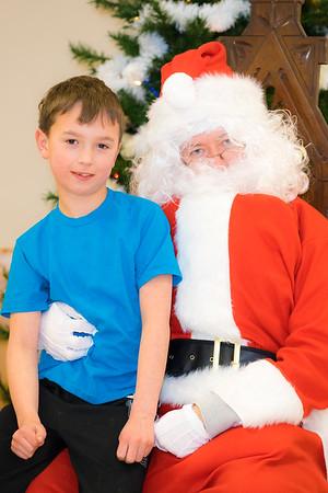 Verndale_Community_Center_Santa-00936