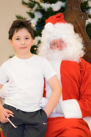 Verndale_Community_Center_Santa-00980